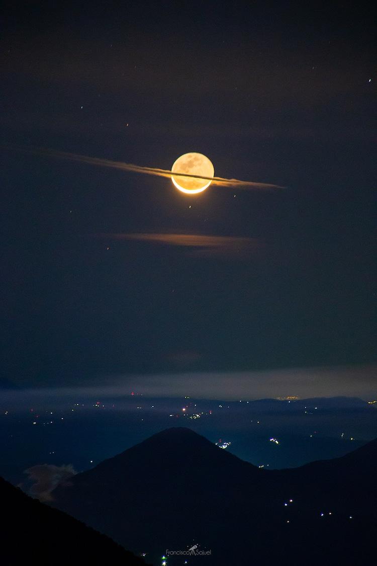 luna con anillos de nube en Guatemala
