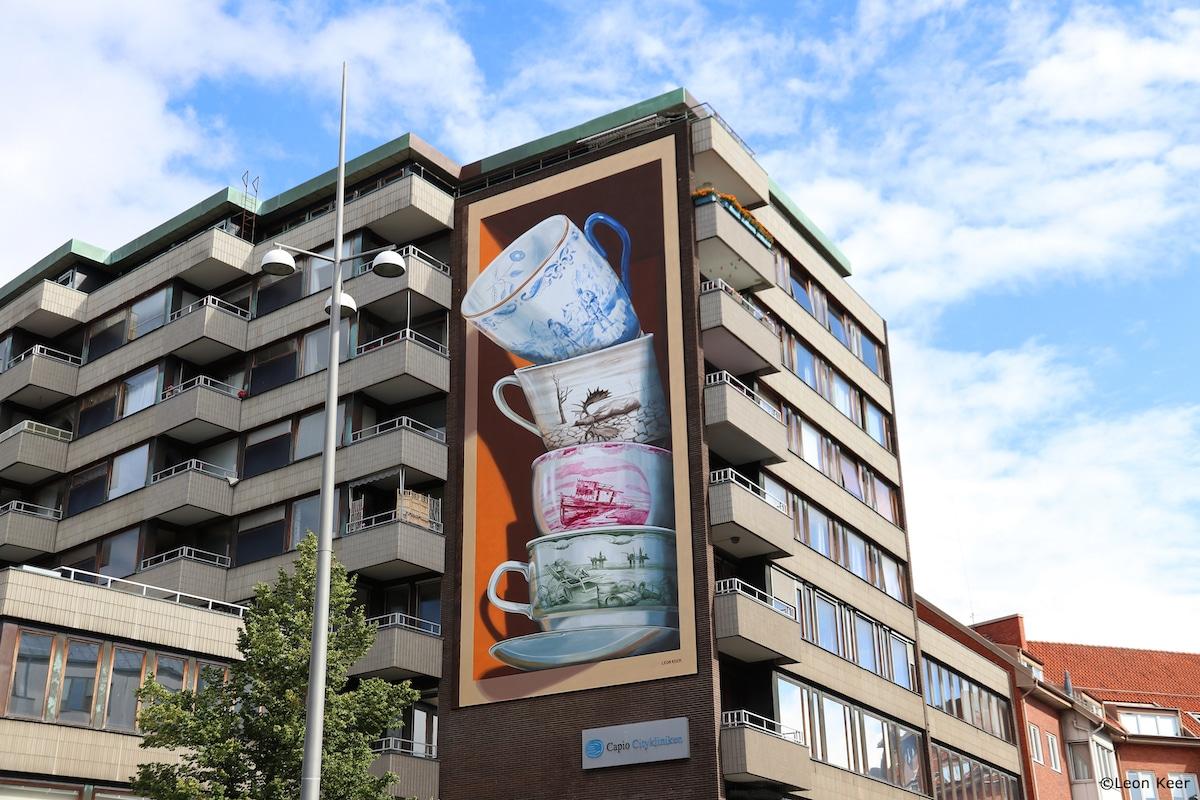 Anamorphic Teacup Mural by Leon Keer