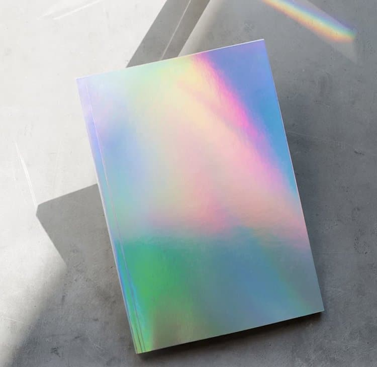 cuaderno holográfico por Poketo