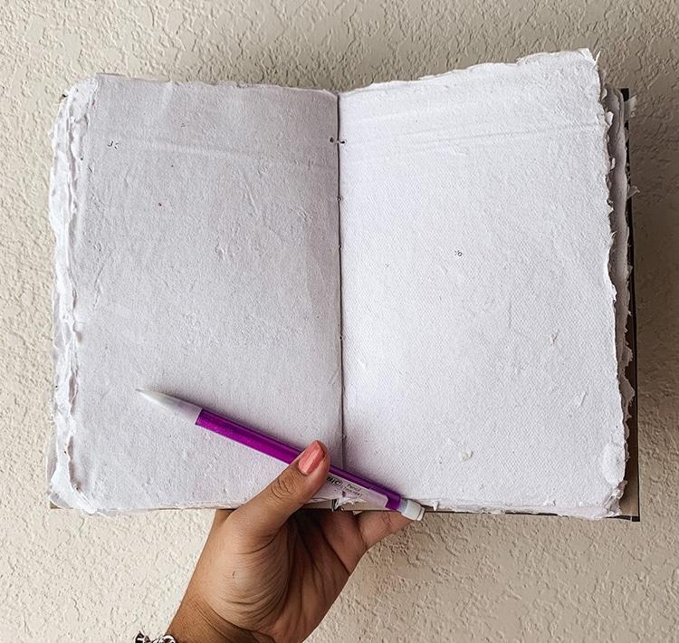 Diario hecho con papel reciclado