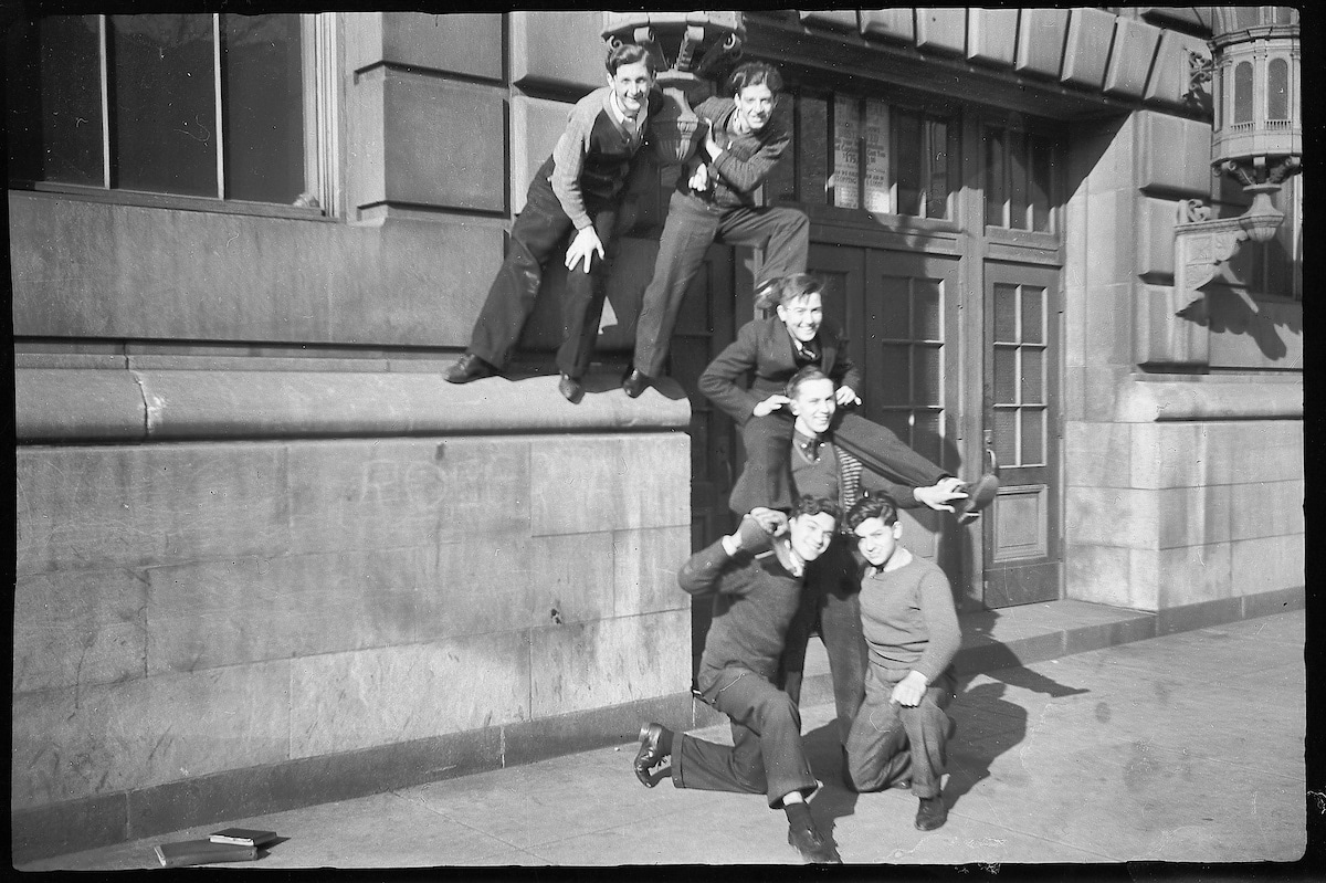 Group of Friends from the 1930s Hanging Out in Chicago
