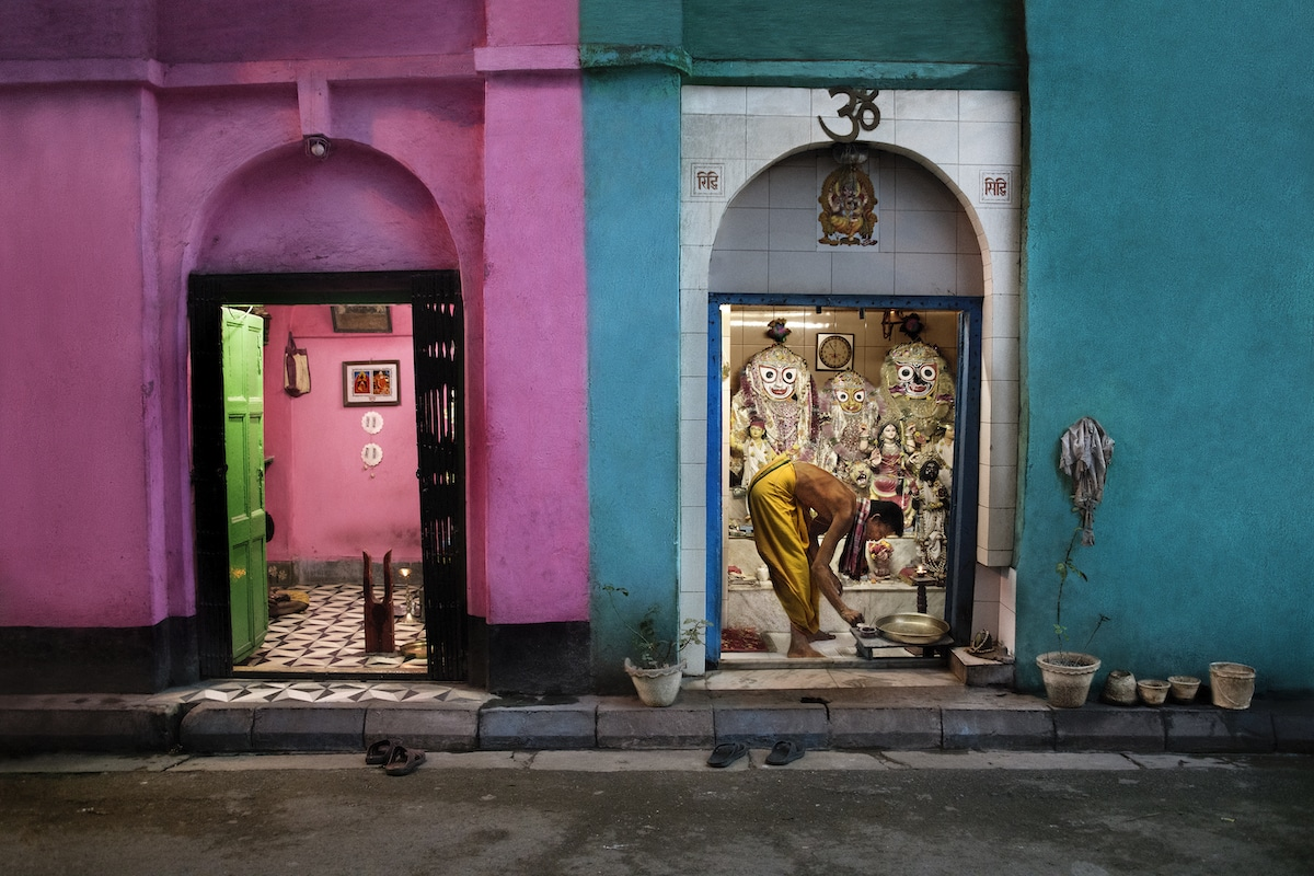 Shops in Kolkata by Steve McCurry