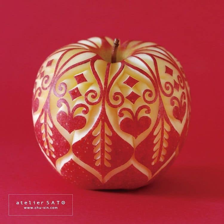 Apple Carving by Tomoko Sato