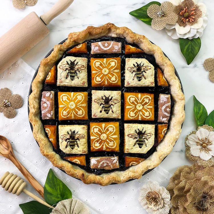 Bee Pie Crust Design by The Pieous