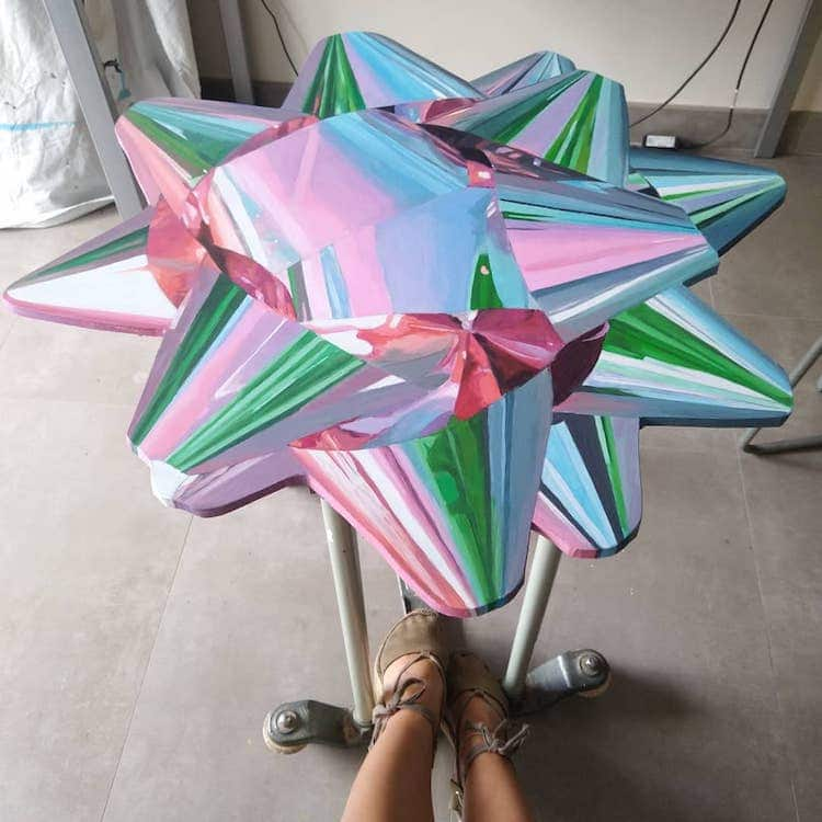 Hyperrealistic Bow Paintings by Monica Ajenjo