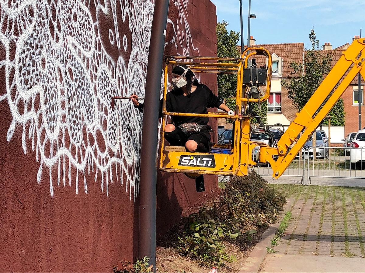 NeSpoon Painting the Cité de la Dentelle et de la Mode in Calais