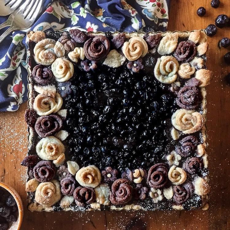 Floral Pie Crust Design