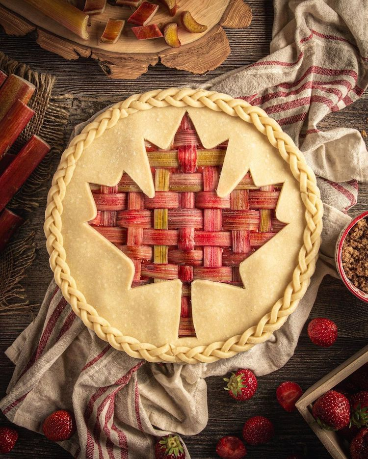Pie Crust Designs by Helen Nugent