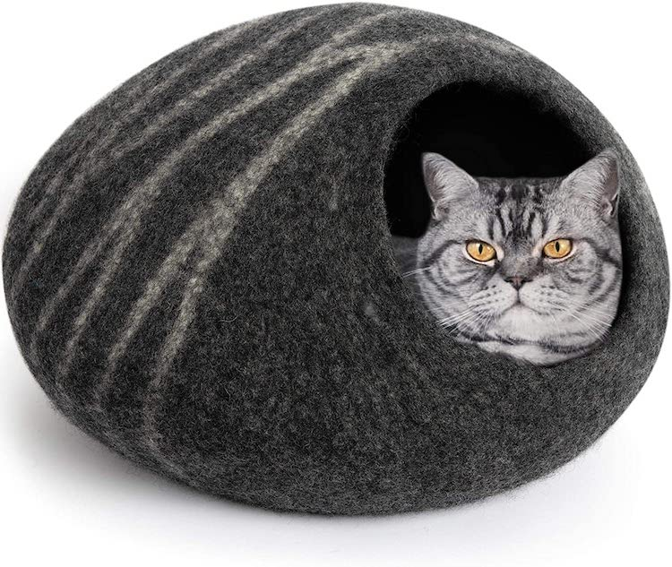 Wool Cat Cove and Bed