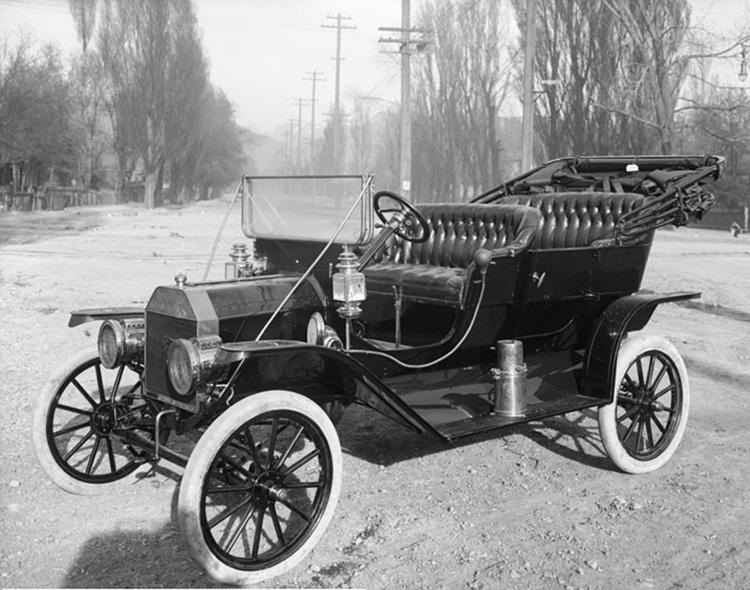 1910 Ford Model T Car