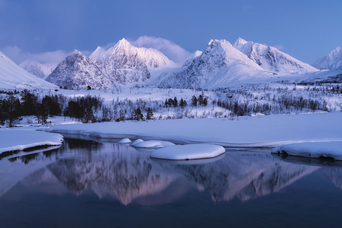 Alpes de Lyngen Alps en Noruega