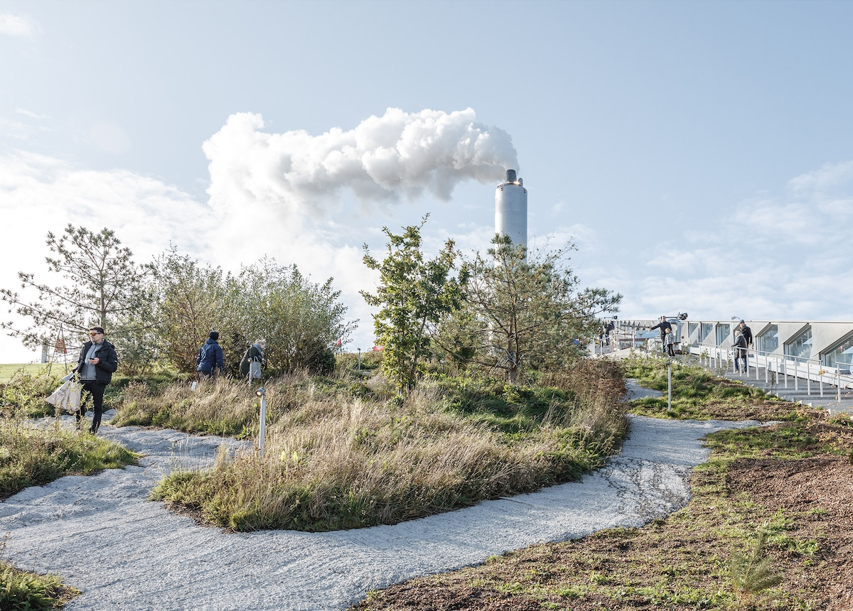 Landscaping on Roof - Bjarke Ingel Group's Copenhill Is a Power Plant With a Ski Slope on Top