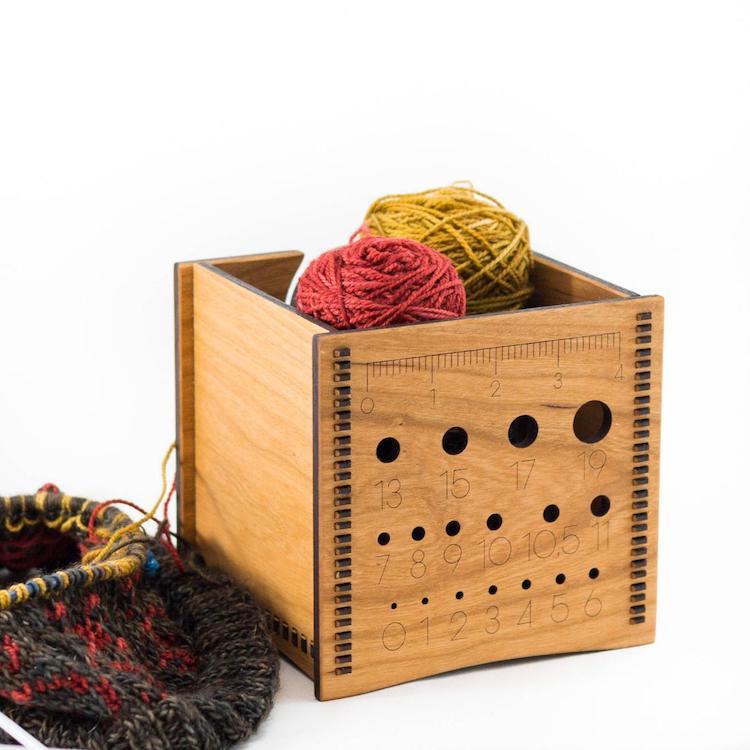 Wood Yarn Box Needle Sizer