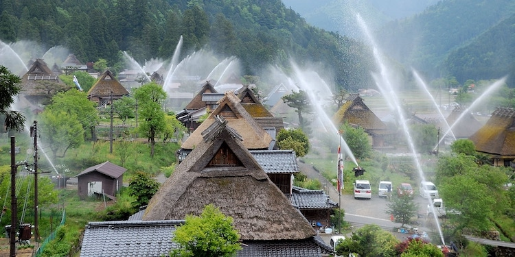 Water Hose Festival Uses Fire Extinguishers To Create an Impressive Show Over This Historic Japanese Hamlet