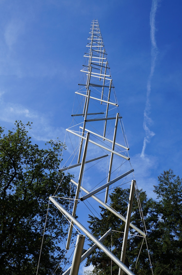 Needle Tower- 8 Examples of Tensegrity That Almost Defy Gravity