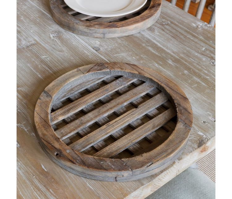 Wooden Lattice Charger