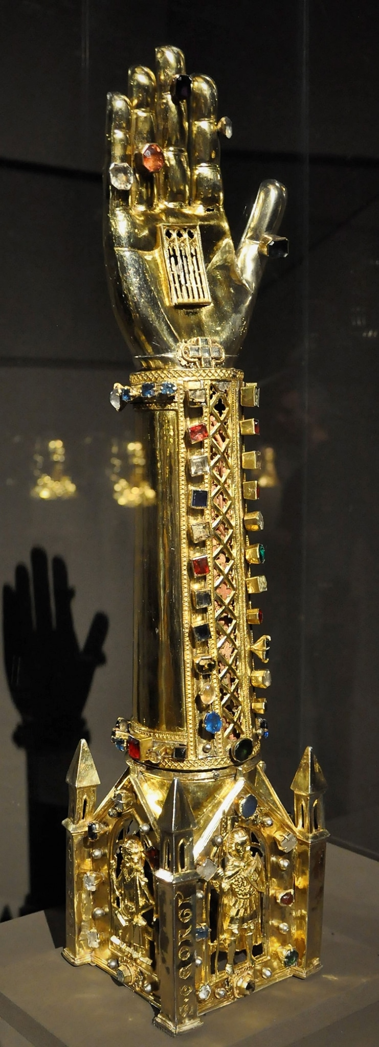 Arm Reliquary St. George, Prague