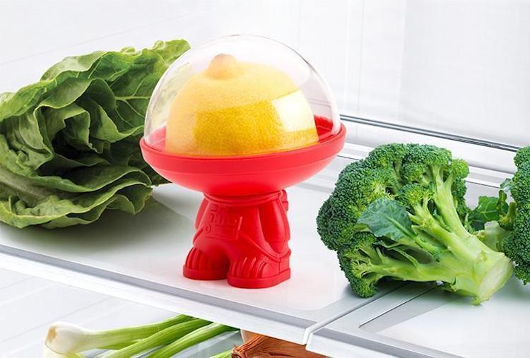 Astronauta conservador de frutas y verduras