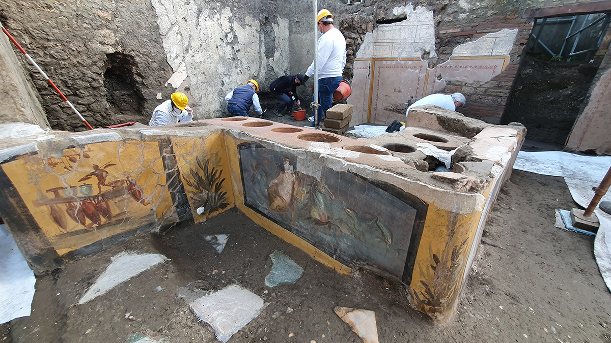 Archaeologists Unearth an Incredibly Well-Preserved Food Stall in Pompeii