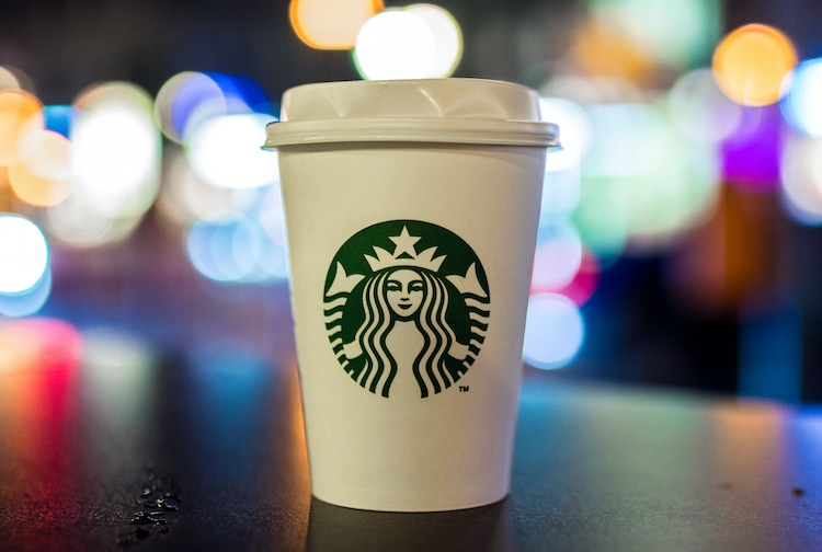 Starbucks Gives Free Coffee to Healthcare Workers