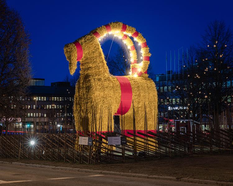 Cabra de Navidad en Suecia