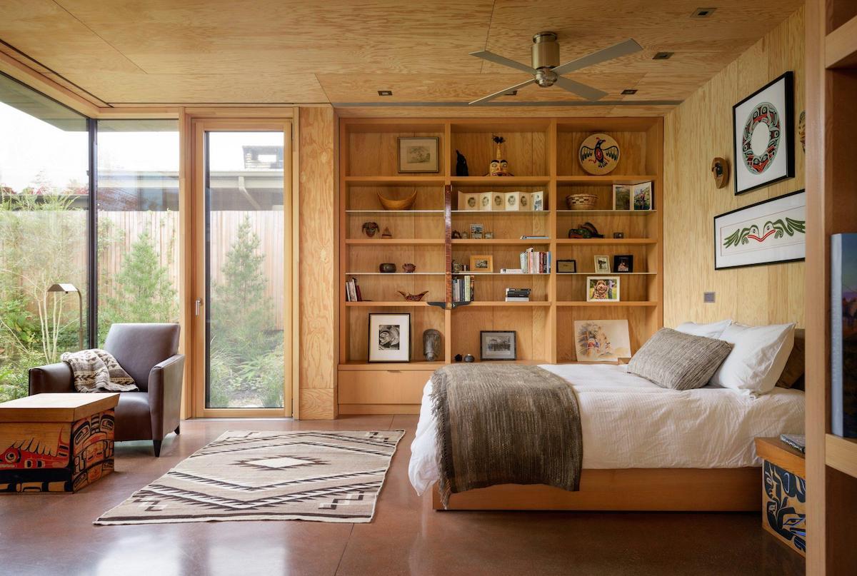 Architects Design a Net-Zero Nature Retreat in Seattle Suburb