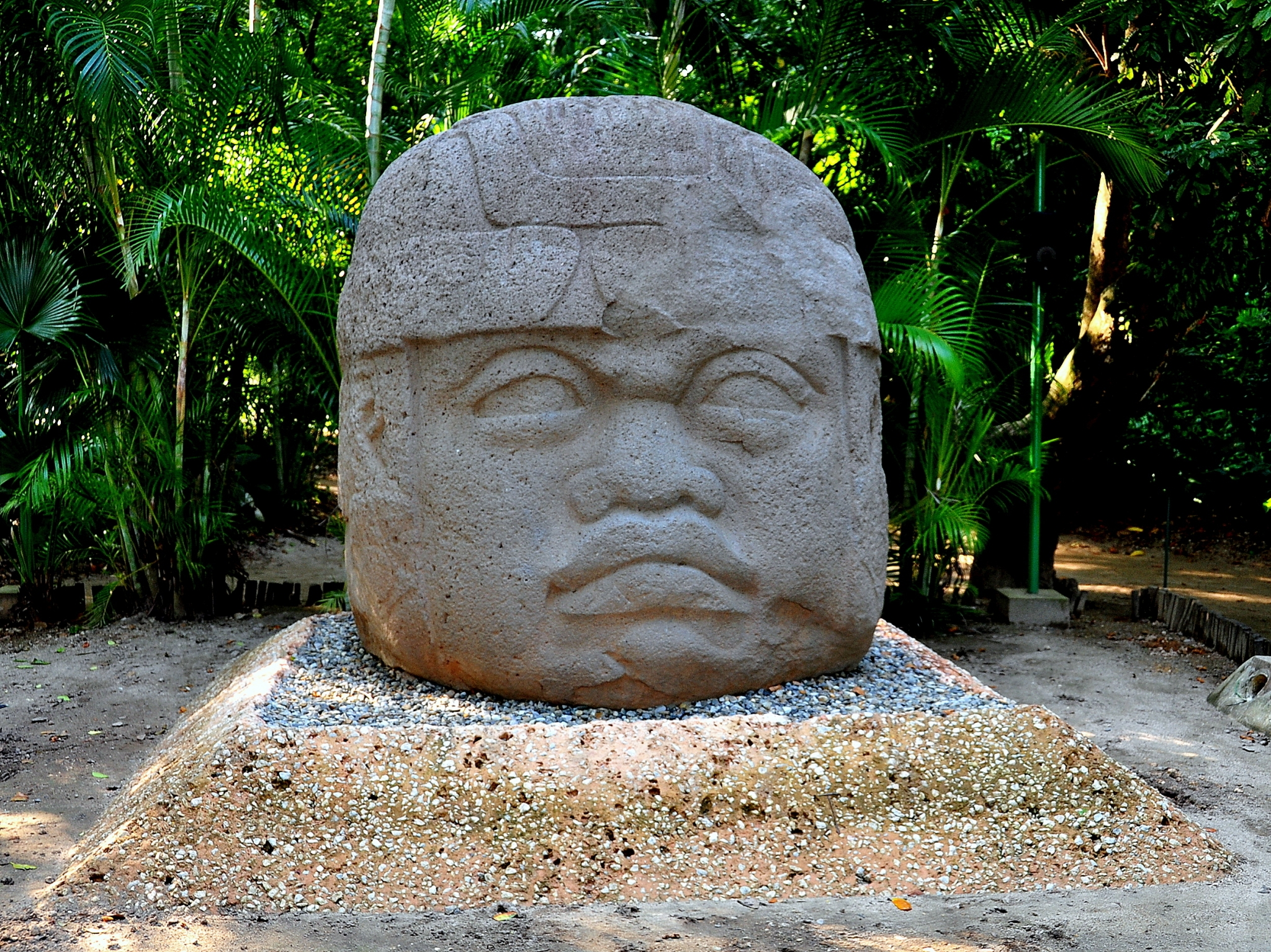 Cabeza colosal olmeca en Tabasco