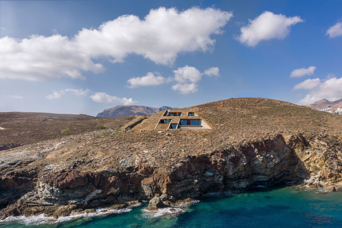 NCaved House Is Embedded In This Serifos Island Cove