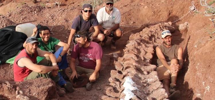 Paleontologists Dig Patagonia Dinosaur Fossil