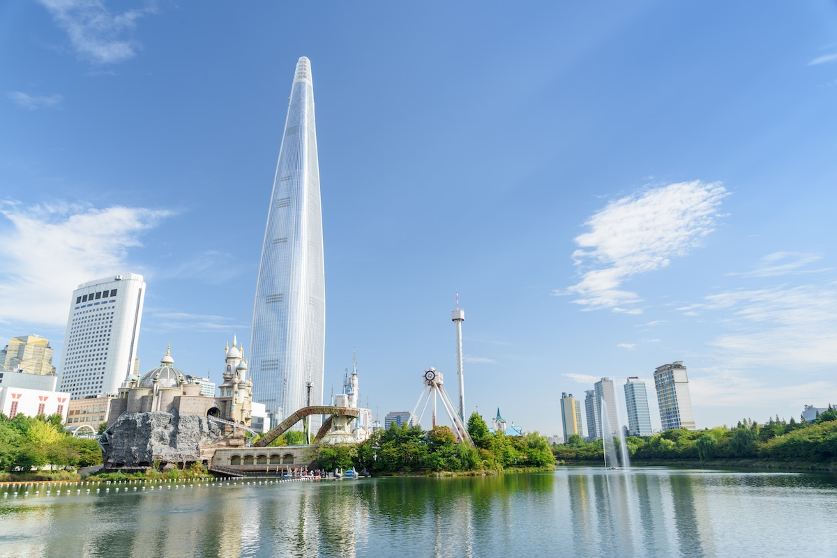 These Skyscrapers are the 15 Tallest Buildings in the World
