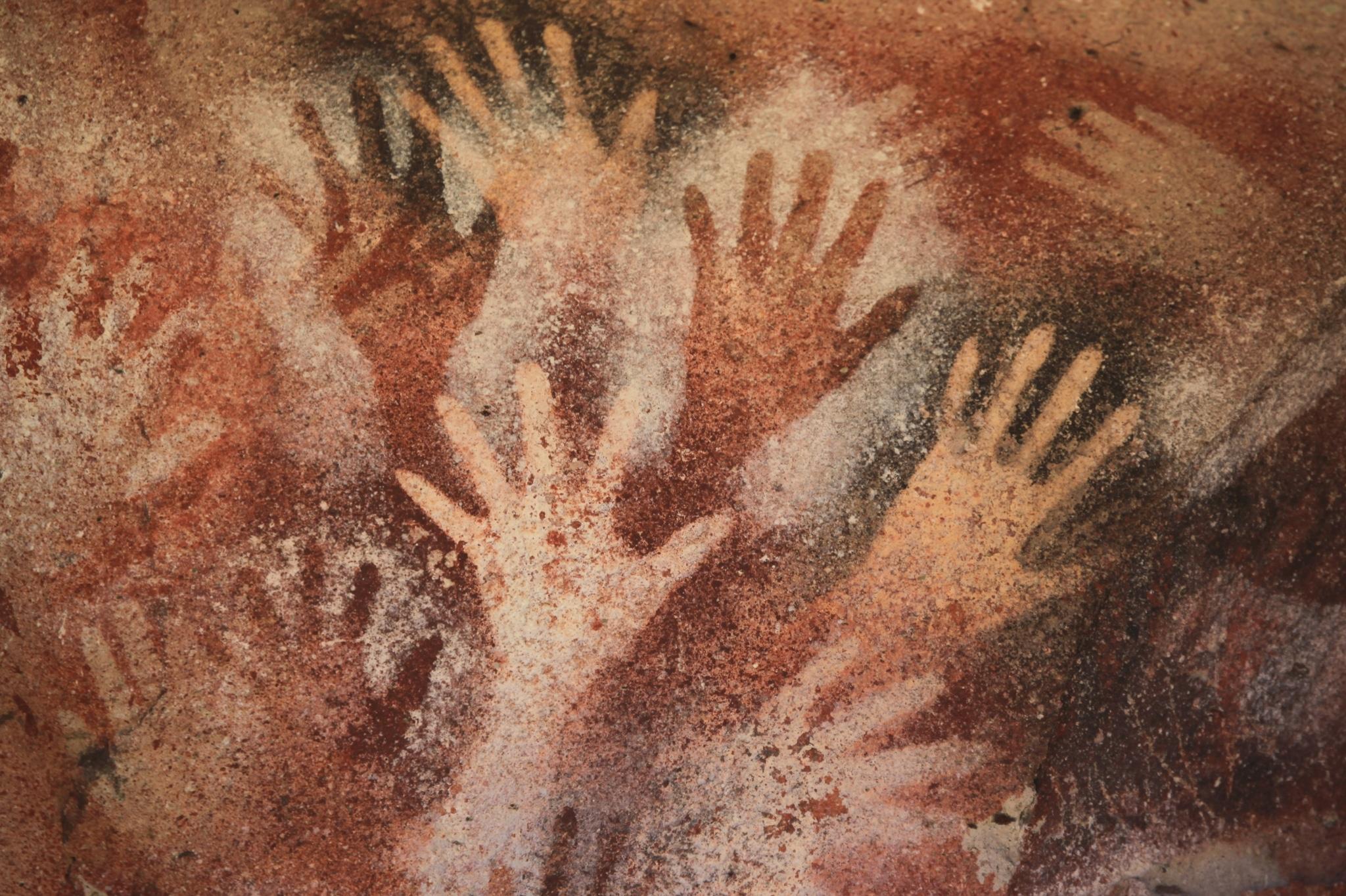 Aceramiento de las pinturas rupestres de manos en la Cueva de las Manos