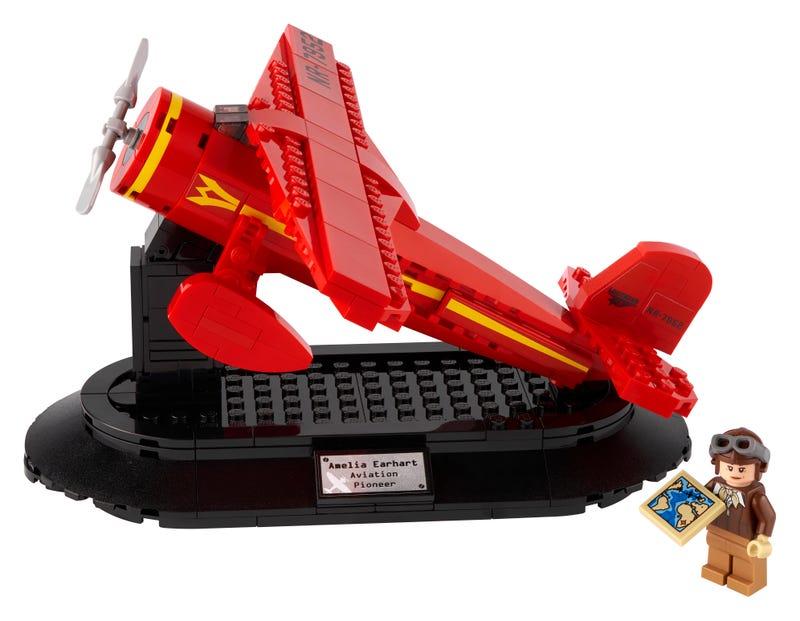 Amelia Earhart LEGO Set