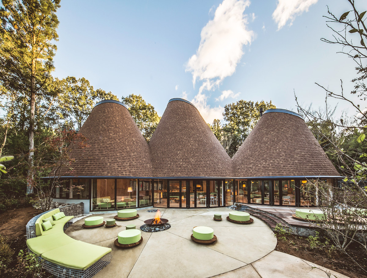 """The PokoPoko Clubhouse is a """"Fairytale"""" Hotel Near These Japanese Mountains"""