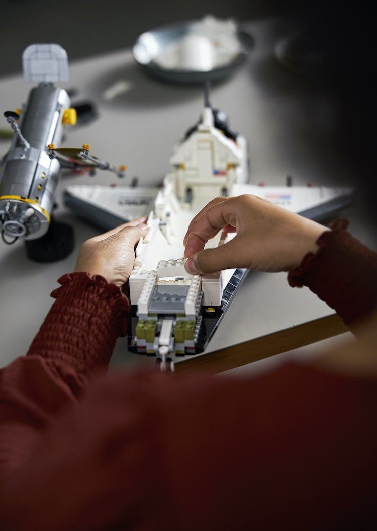 LEGO NASA Space Shuttle Discovery set