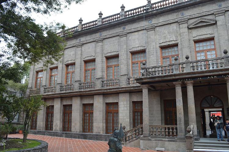 palacio del conde de buenavista (hoy museo san carlos) de manuel tolsá