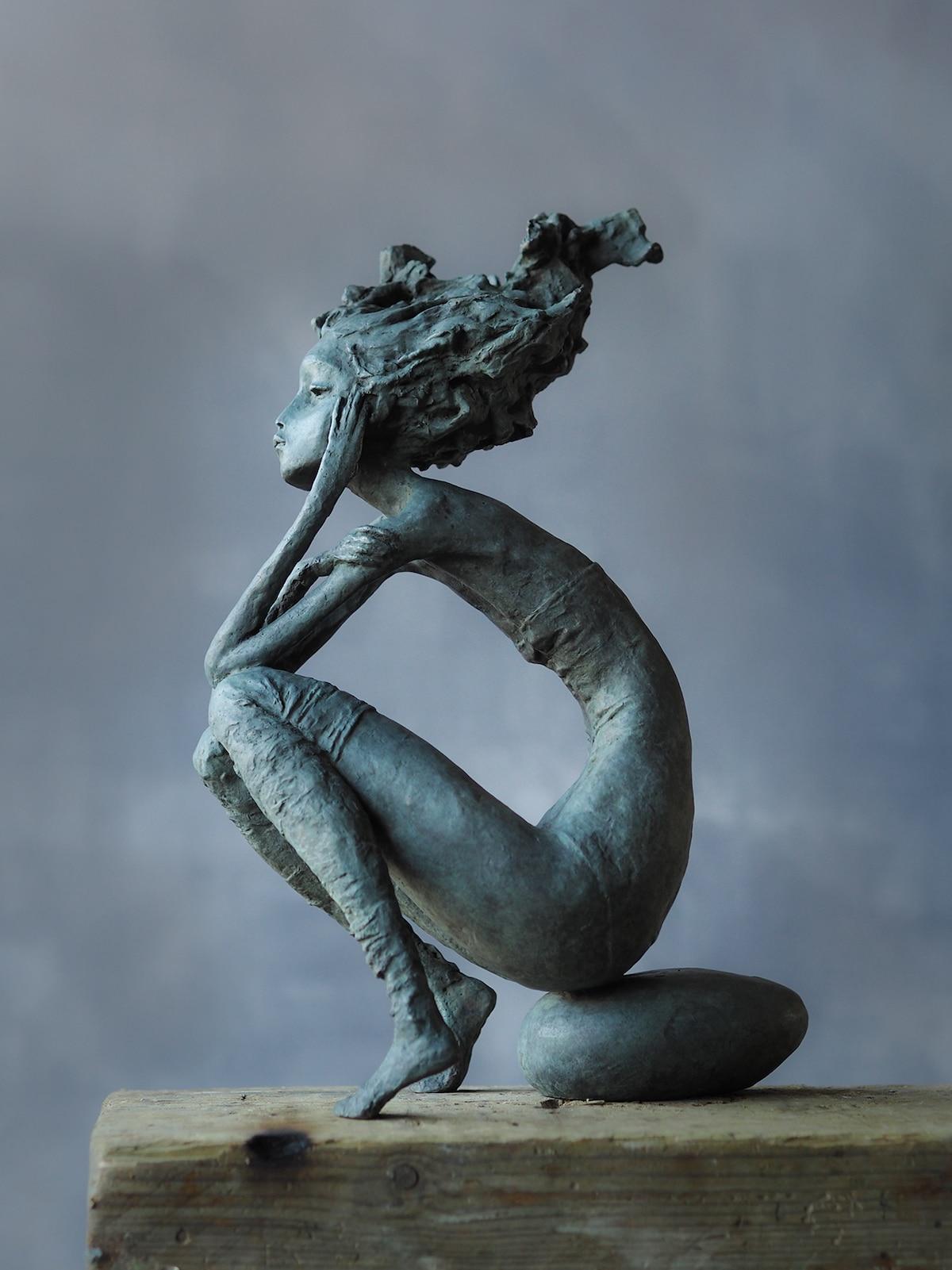 Esculturas de mujeres por Valerie Hadida