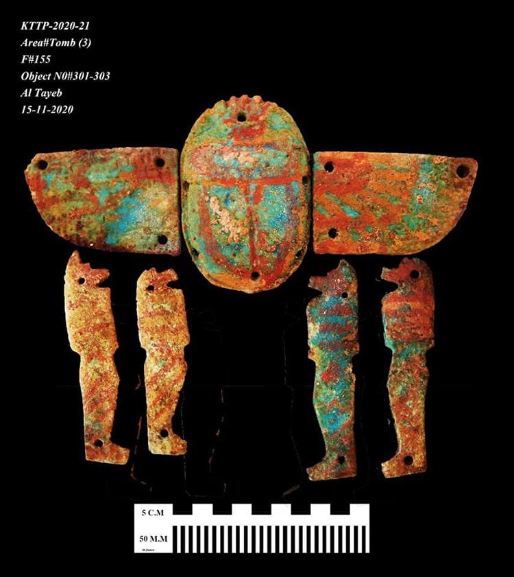 Artefactos encontrados en la ciudad dorada perdida de Lúxor, Egipto