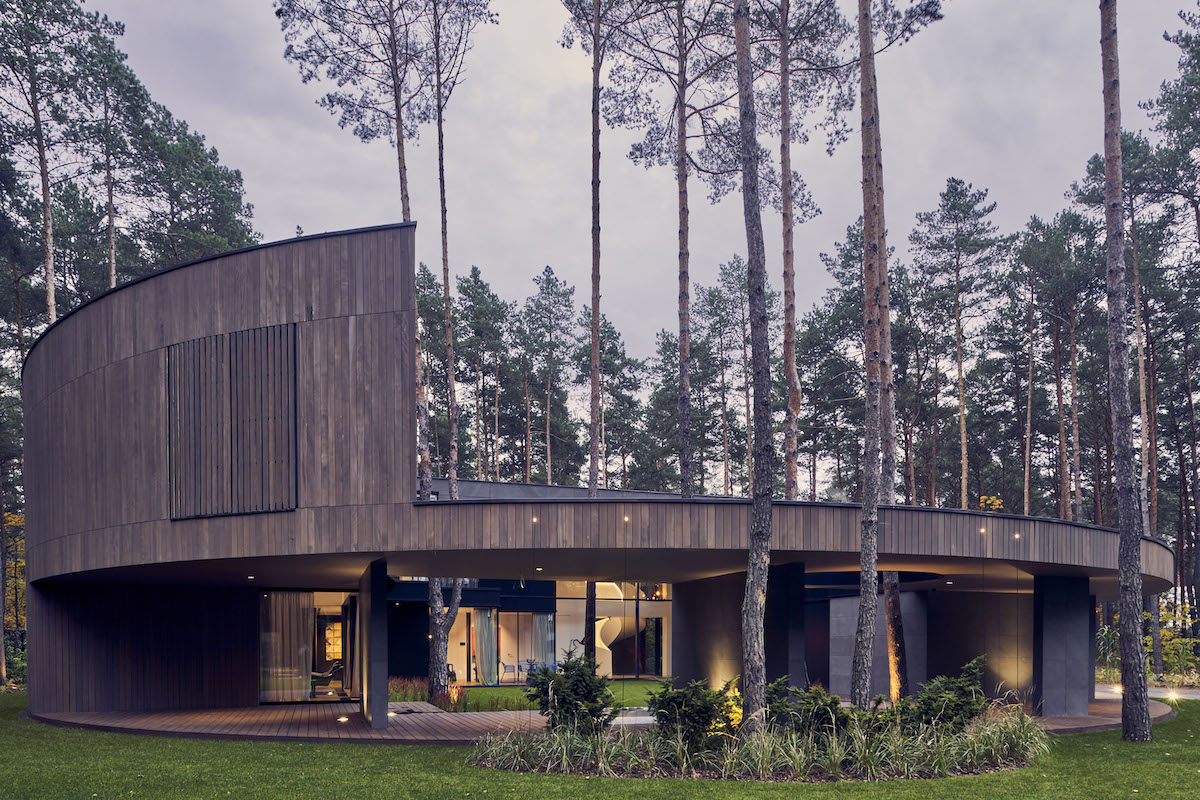 This Polish Nature Retreat Is Inspired By the Trunk of a Tree