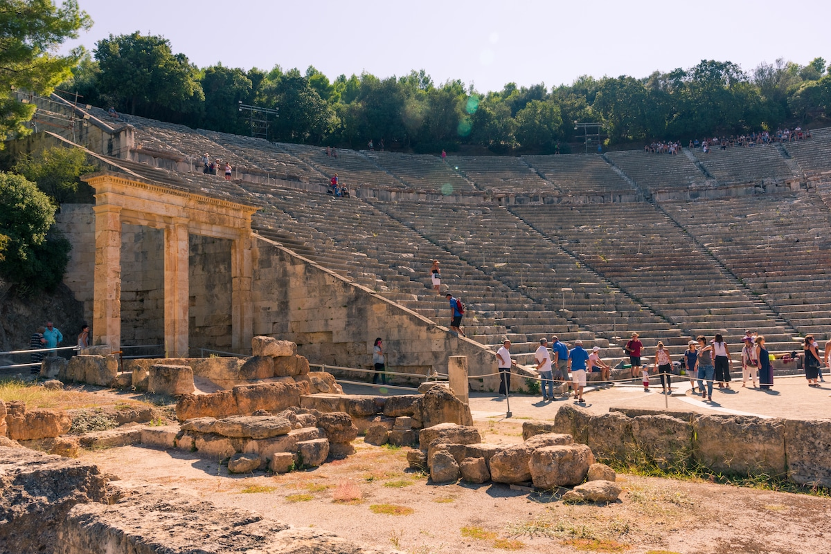 5 Timeless Classical Buildings That Chronicle the Wonder of Ancient Greek Architecture