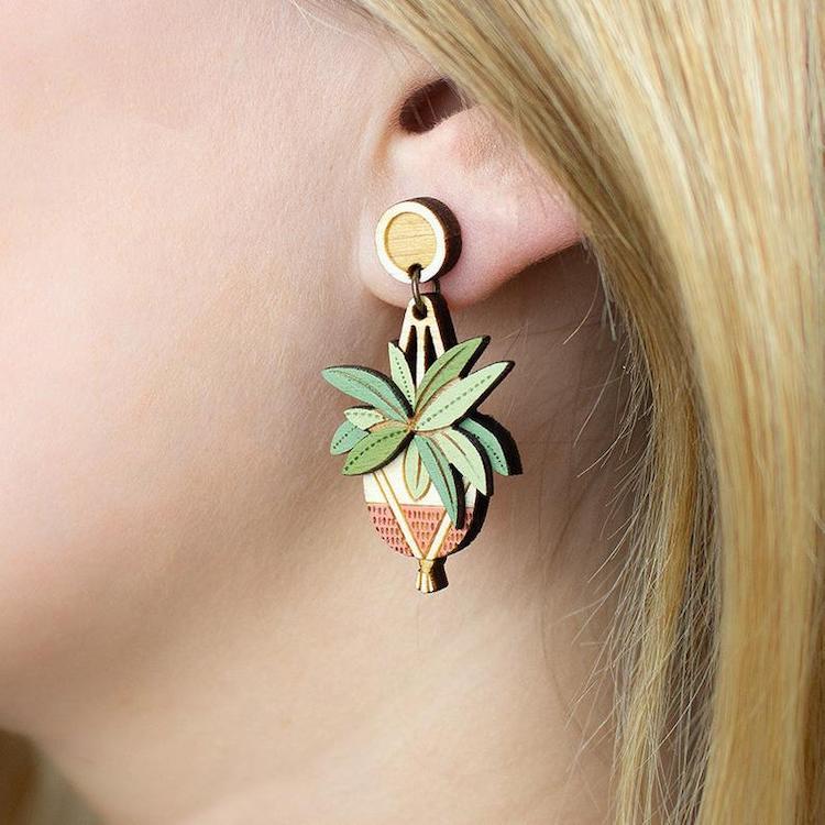 accesorios de madera de plantas por Layla Amber
