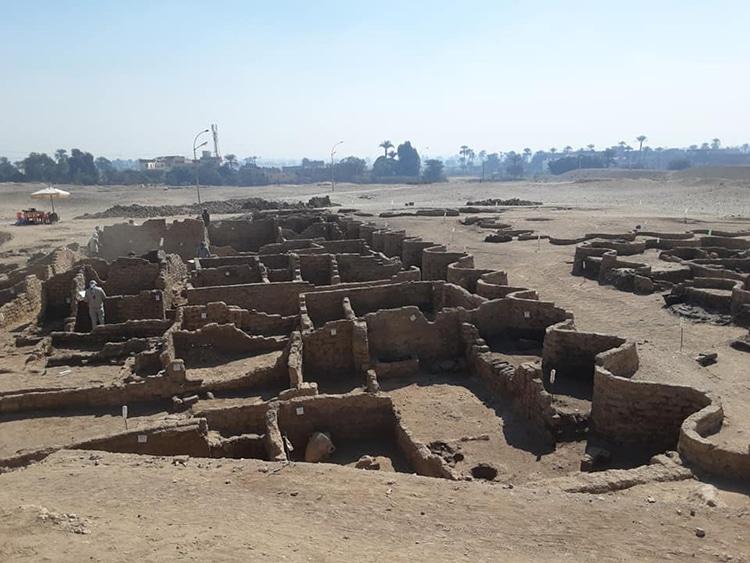 Descubren la ciudad dorada perdida de Lúxor, Egipto