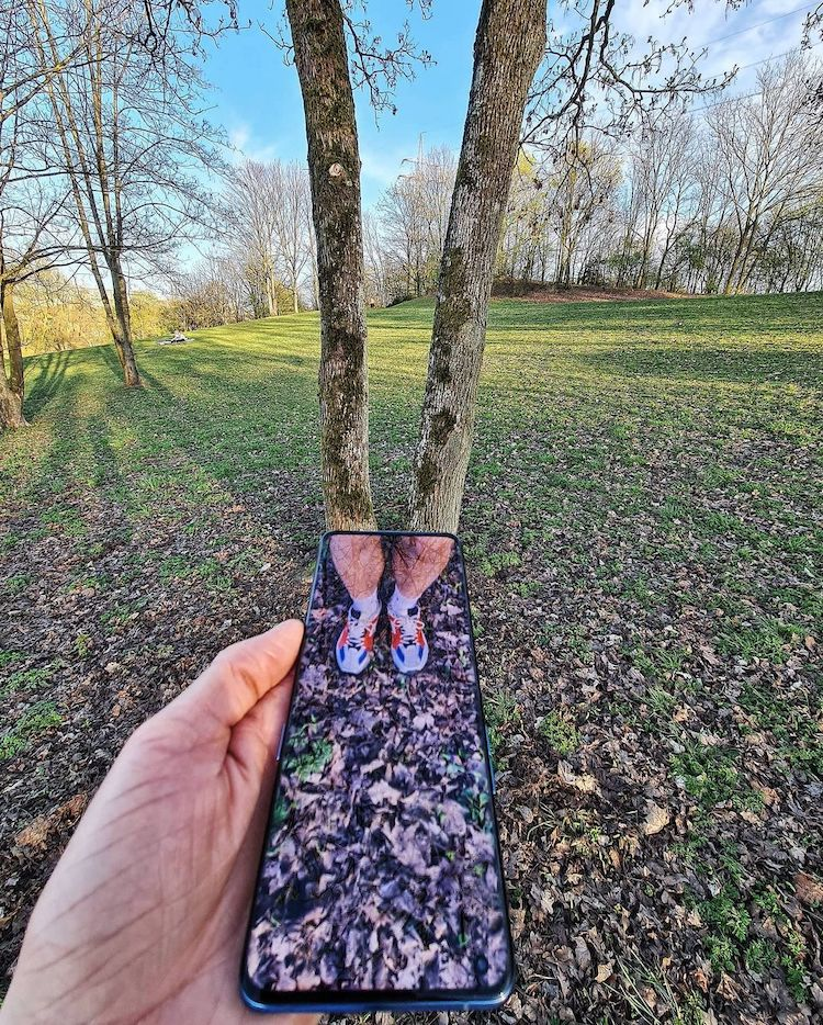 Forced Perspective Photography by Hugo Suíssas