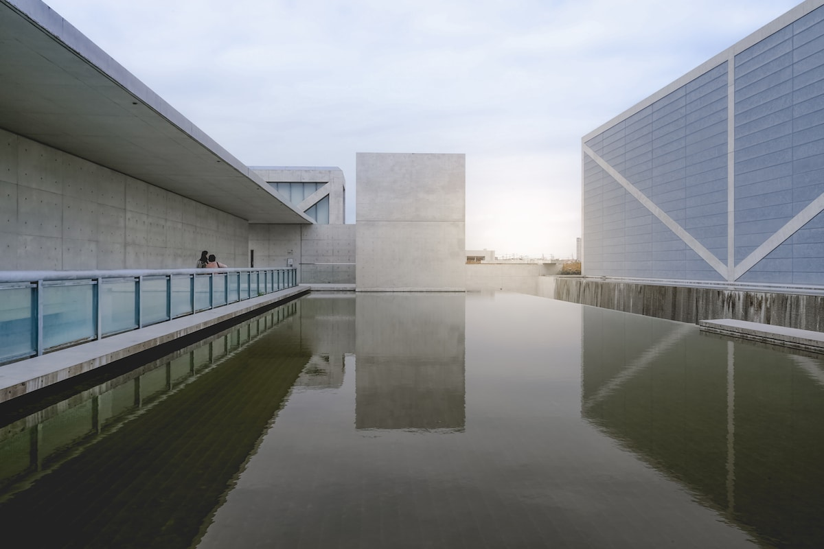 The Architecture of Tadao Ando - 10 Dramatic Buildings by the Master of Light and Concrete