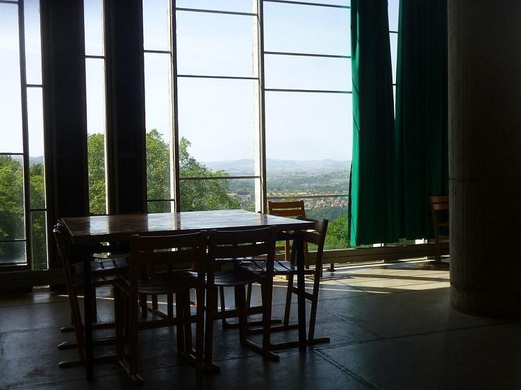 Refectoire du couvent de la Tourette