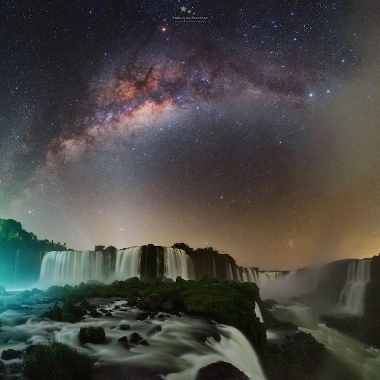 vía lácea en cataratas de Iguazu