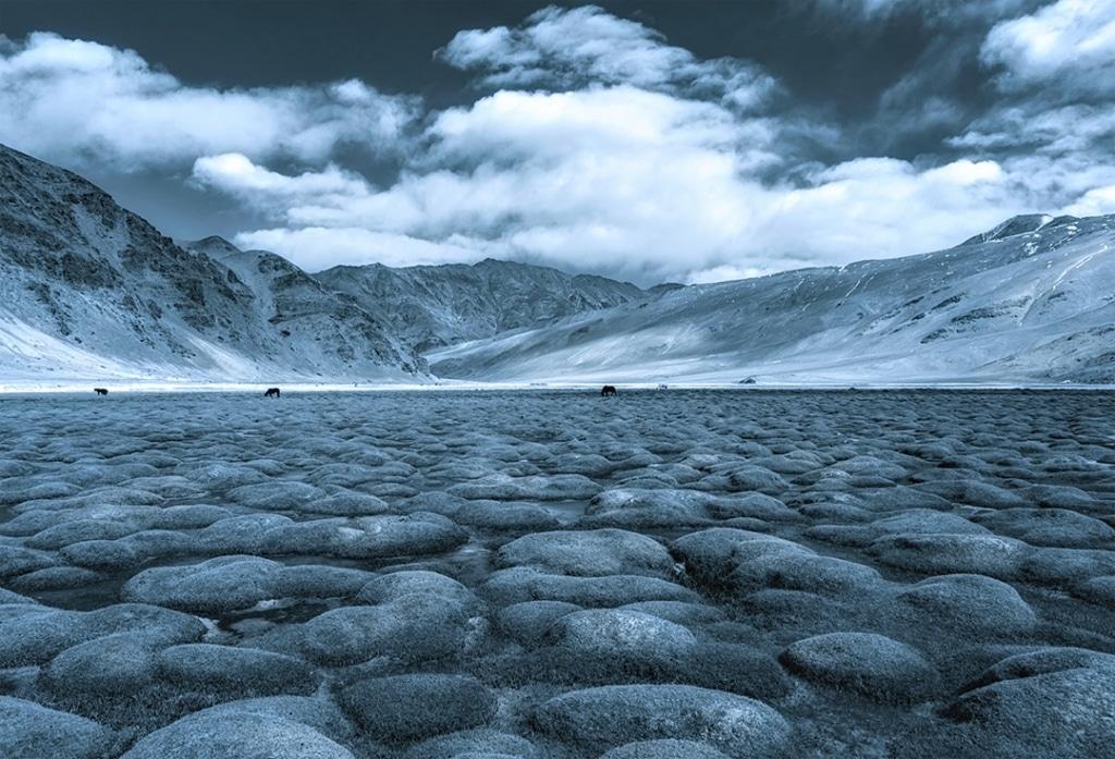 Venkitesh Ramachandran Photo of Lake and Mountains in India