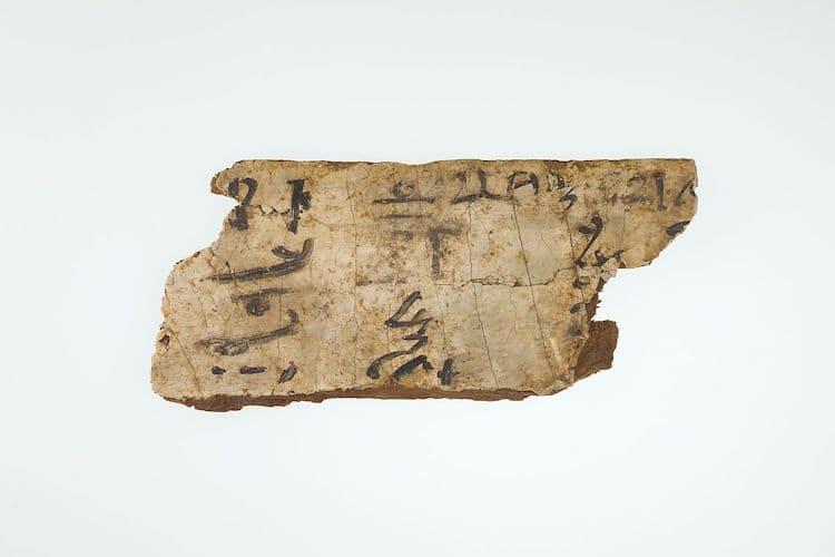 Fragments de la planche d'écriture d'un scribe
