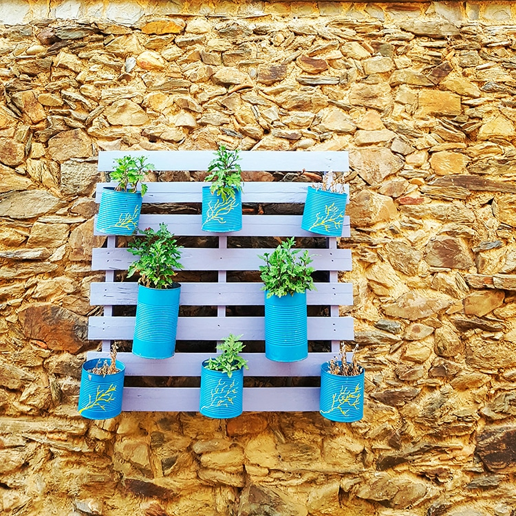 DIY Pallet Planter Rack