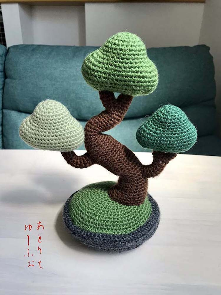 Knitted Bonsai by atelier Euph
