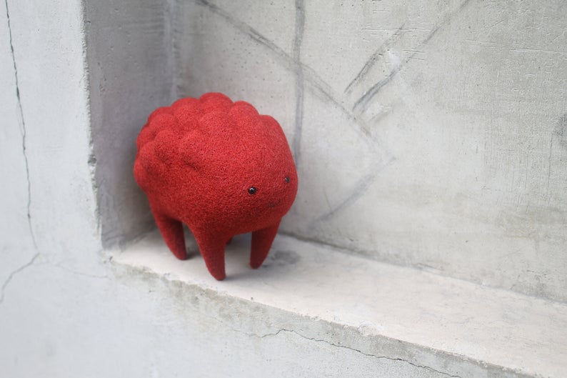 Criatura encantada hecha de lana